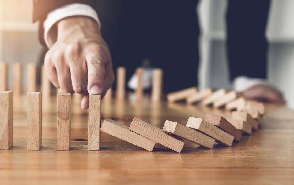 ¿Qué es la gestión de riesgos en proyectos? Aprende cómo afecta a tu negocio